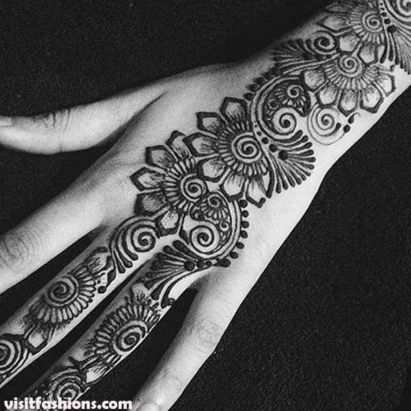 Beautiful floral And simple Mehndi Design