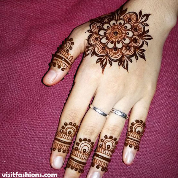 Beautiful And simple Floral Mehndi Design