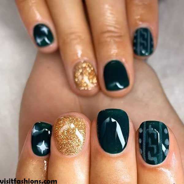 Sparkle marble nails Design