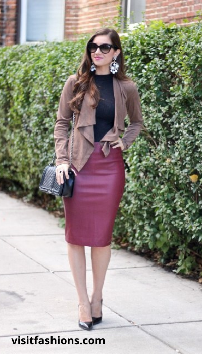 PENCIL SKIRT WITH BLAZER AND V-NECK SWEATER AND PUMPS